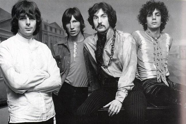 Syd Barrett, el fundador de Pink Floyd, cumpliría 75 años: los ácidos que  consumieron su mente y la desconexión con el mundo - Infobae