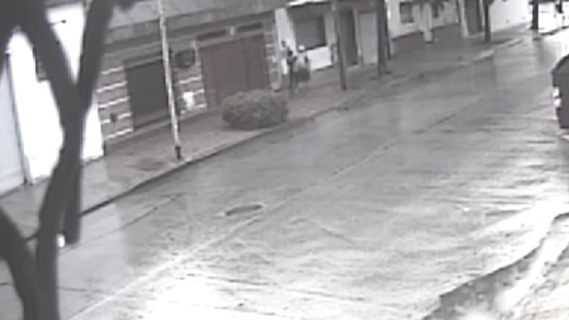5d9626e9b Hallaron un cuerpo en el Riachuelo  investigan si se trata de Carla ...