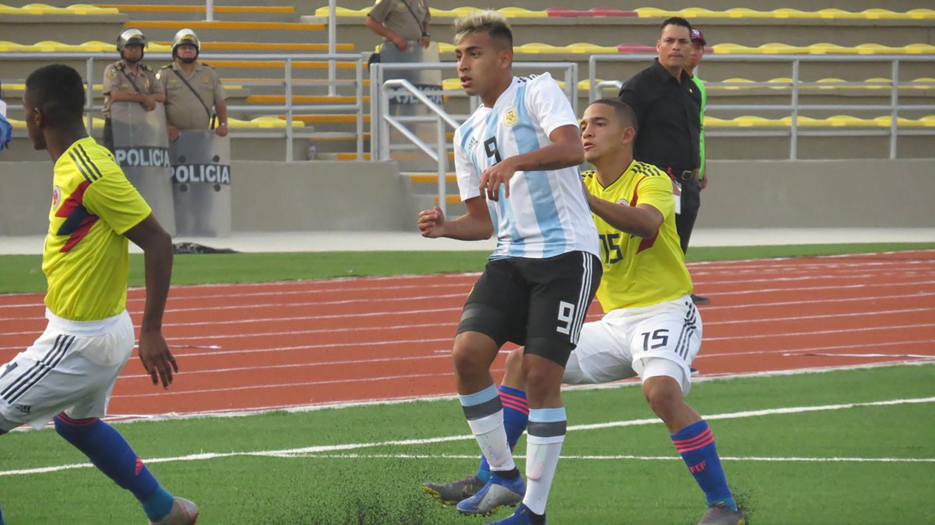 2750d5ae52415 La Selección Sub 17 cosechó su primera victoria en el Sudamericano  venció  2-1 a Colombia - Infobae