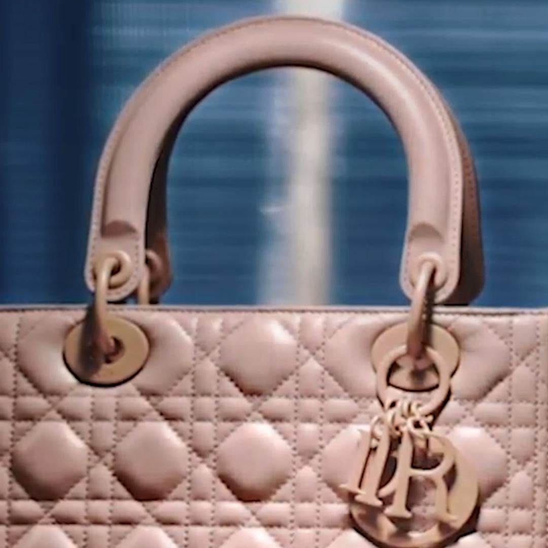 37858cb25 Cómo se hacen las carteras y los zapatos de las mejores marcas de lujo -  Infobae