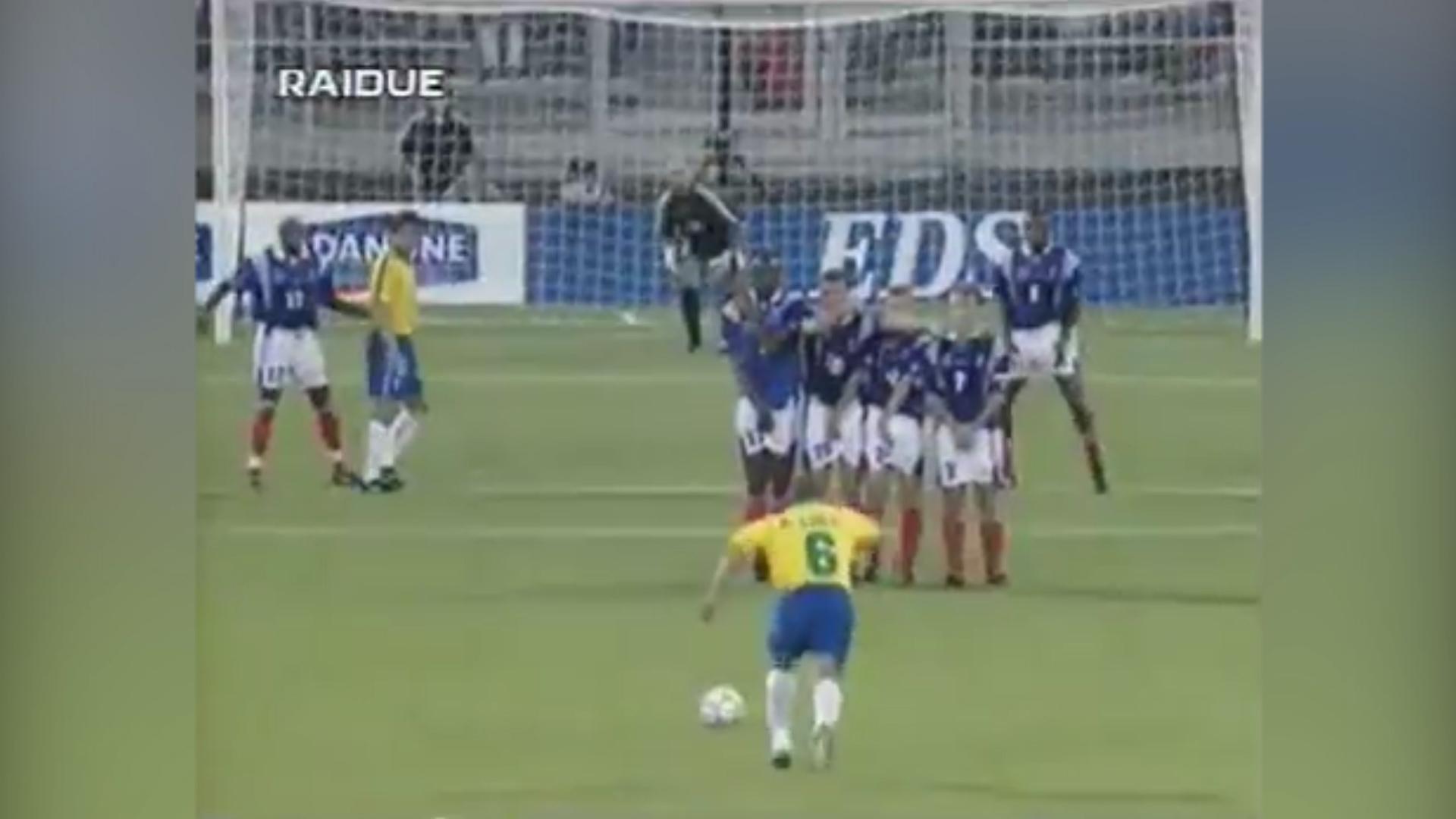 La inesperada confesión de Roberto Carlos sobre el mejor gol de su carrera  - Infobae c9346045f34b1
