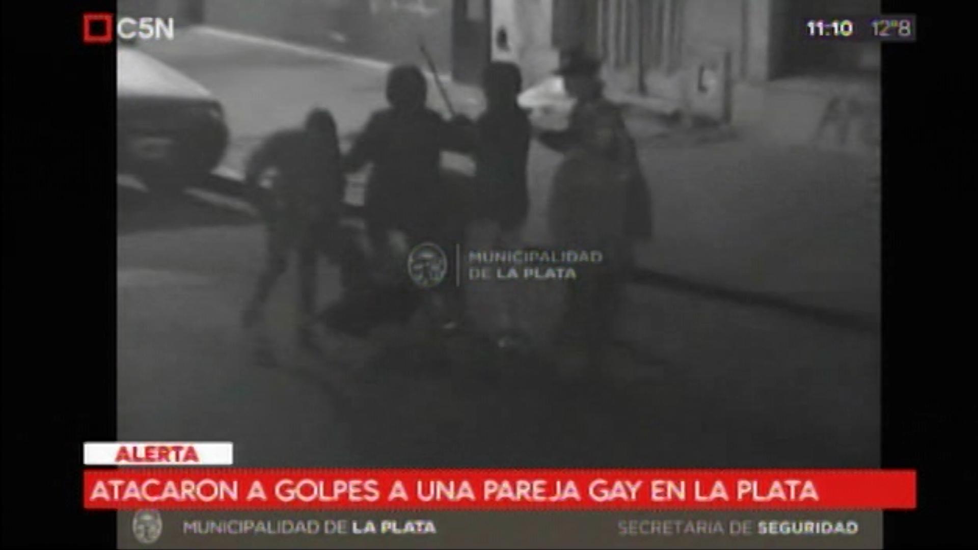 pareja gay golpeada