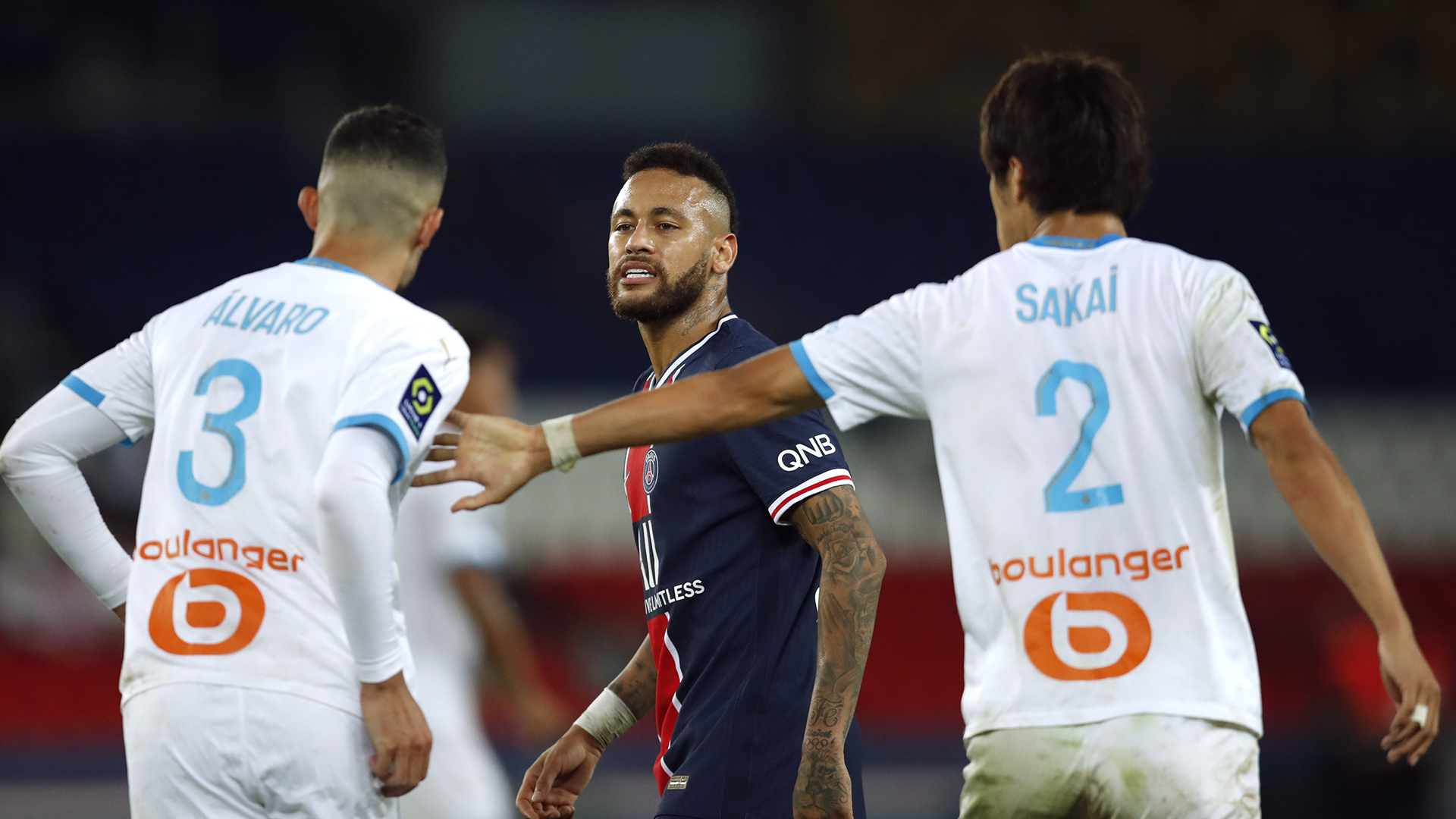 """La explosiva reacción de Neymar tras ser expulsado en el clásico: """"Es un  racista, por eso le pegué"""" - Infobae"""